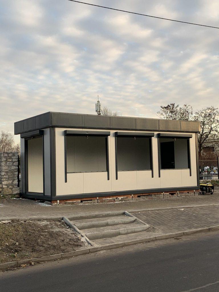 Szybkie stawianie domów mieszkalnych z płyty warstwowej
